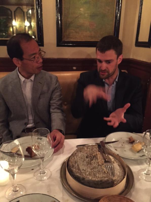Cultural lecture on cheese to Professor Ito. Credit: Yoshitaka Ota.